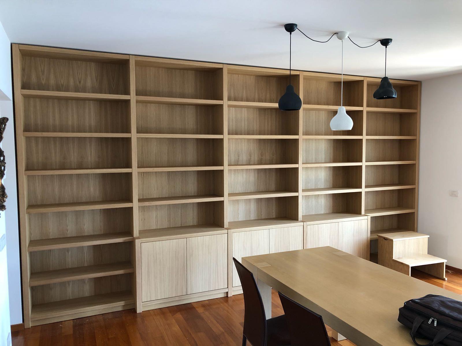In Falegnameria Sappiamo Far Convivere Per La Realizzazione Di Librerie
