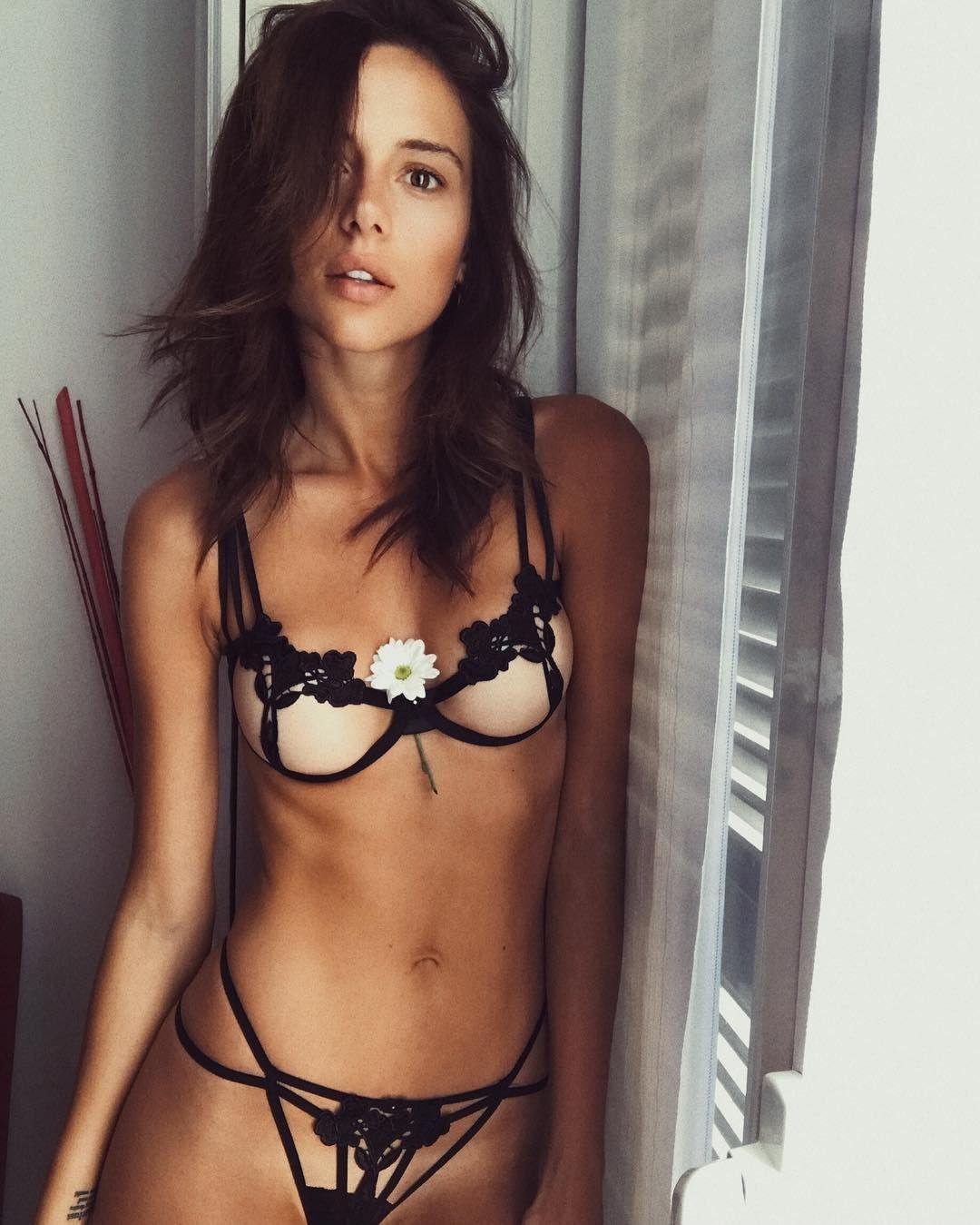 Sandra Rieder Nude Photos 92