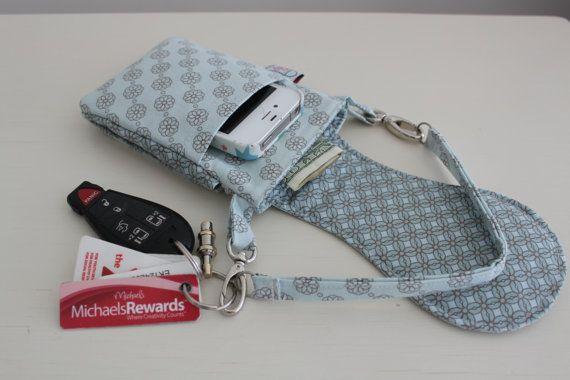 Items similar to iPhone 5 - Téléphone portable sac - pochette - Wristlet - sac photo - ciel bleu on Etsy