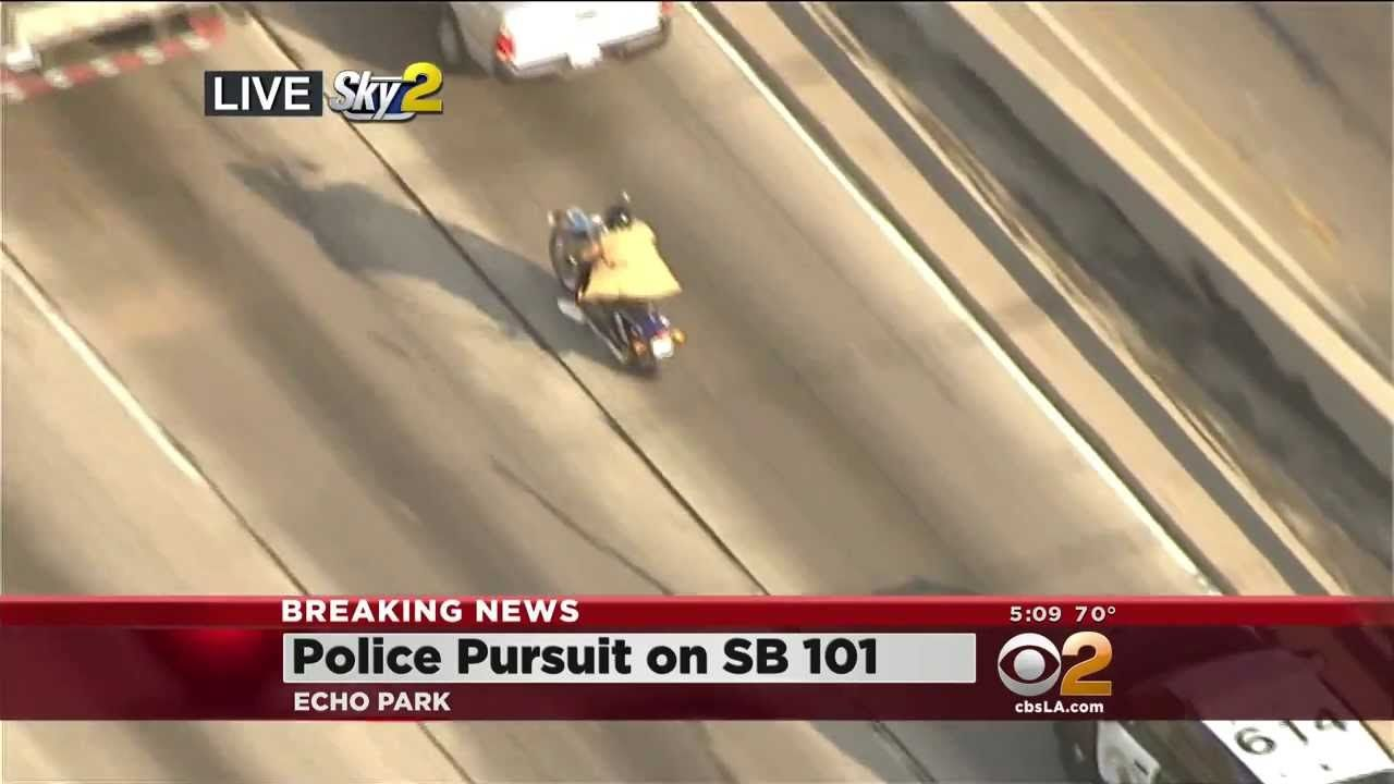 Police Chase Suspect Tricks Police By Taking Off Coat And Walking Away 10 02 13 Police Los Angeles Los Angeles California