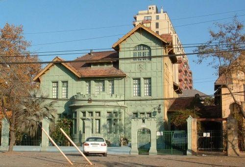 Casas Antiguas, Barrio Club Hípico