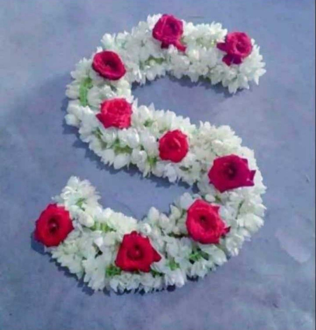 Pin By Cheu Chin On Mine S Letter Images Floral Wreath Floral
