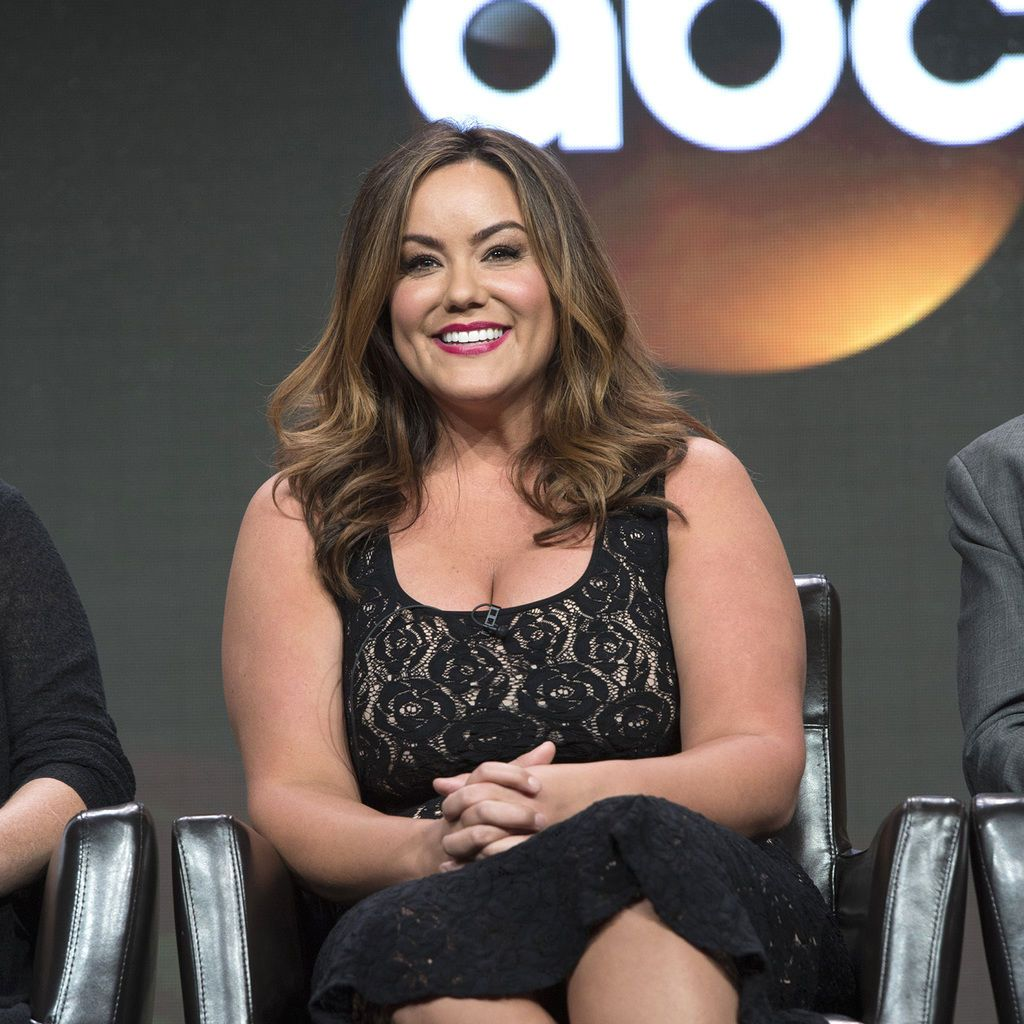 Katy Mixon is an amusing American Housewife in new ABC sitcom