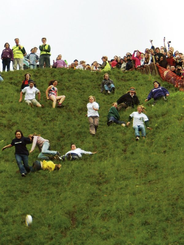 イギリスチーズ転がし祭り(Cooper's Hill Cheese-Rolling and Wake, England)