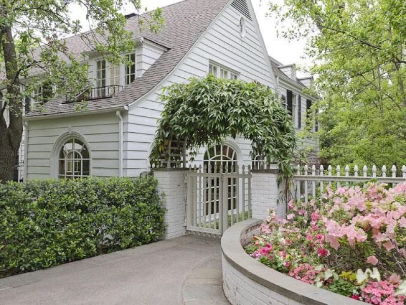 For Sale: Historic Home by Wilson Fuqua and Cathy Kincaid - The Glam Pad