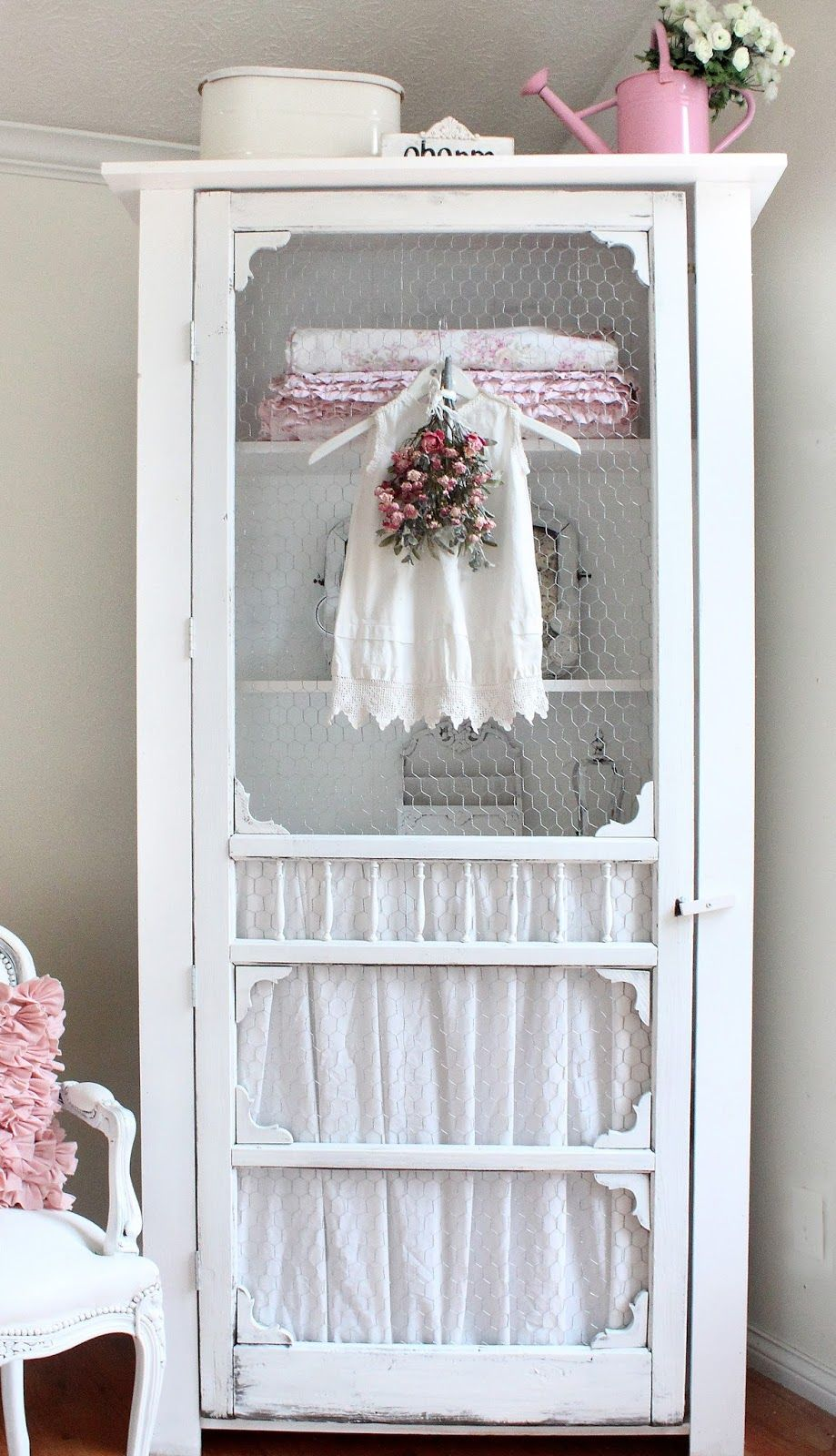 Shabby Story Diy Projects This Is Recycled Screen Door And Chicken Wire Shabby Chic