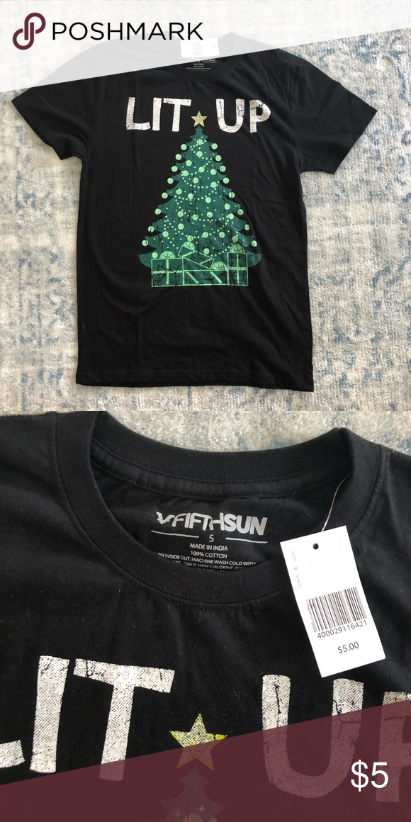 1d9a95b0 Funny Christmas Graphic Tee ⭐NWT ⭐Never worn ⭐No flaws! Feel free to ask  any questions! Tops Tees - Short Sleeve