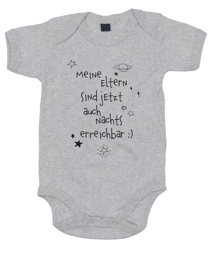Baby Body Druck Motiv Spruch Geschenk Geburt Familie Wunschname Nummer weiss