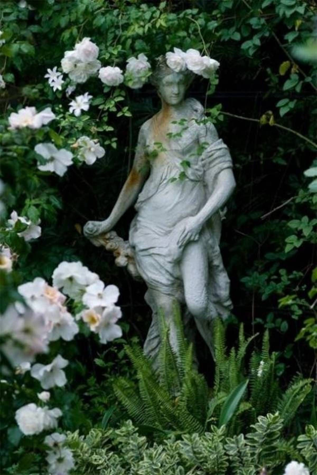 Marvellous Outdoor Statues For Gardens