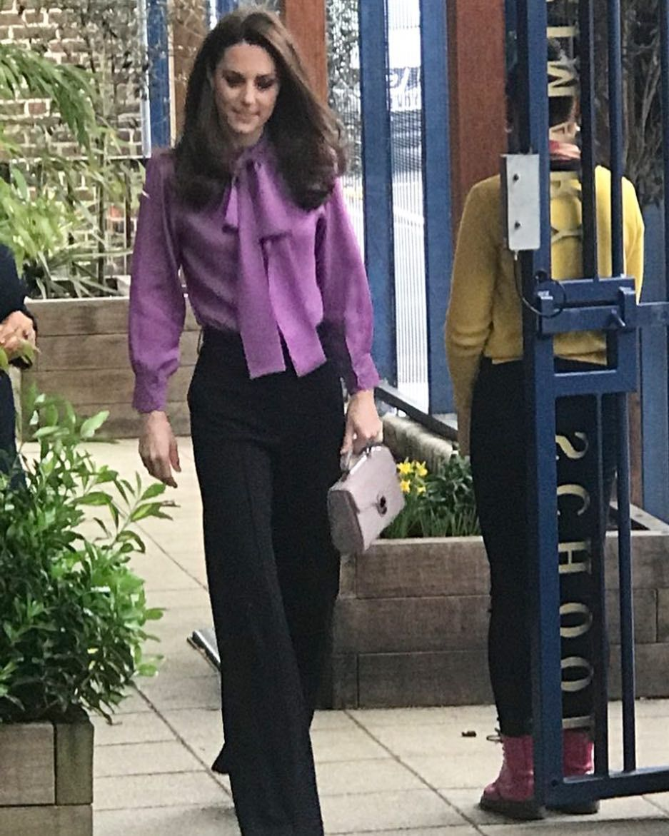 """eefe809d02 Kate Middleton👑 on Instagram: """"Catherine has arrived at today's event!  Already loving her look😍🔥❤ #lifeofaduchess #weadmirekatemiddleton ..."""