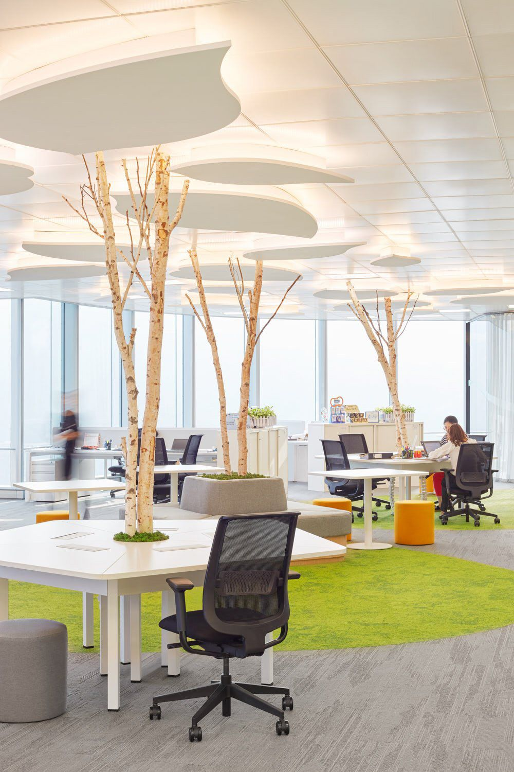 Office Furniture: Office Tour: H&H Group Offices – Hong Kong