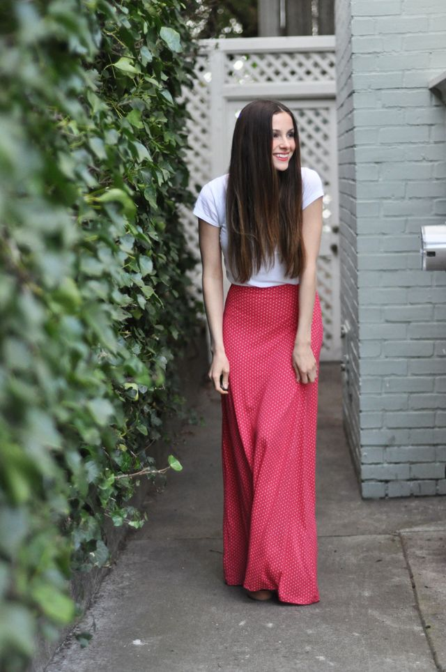 C: Quick knit a-line maxi skirt tutorial - want a sewing machine so ...