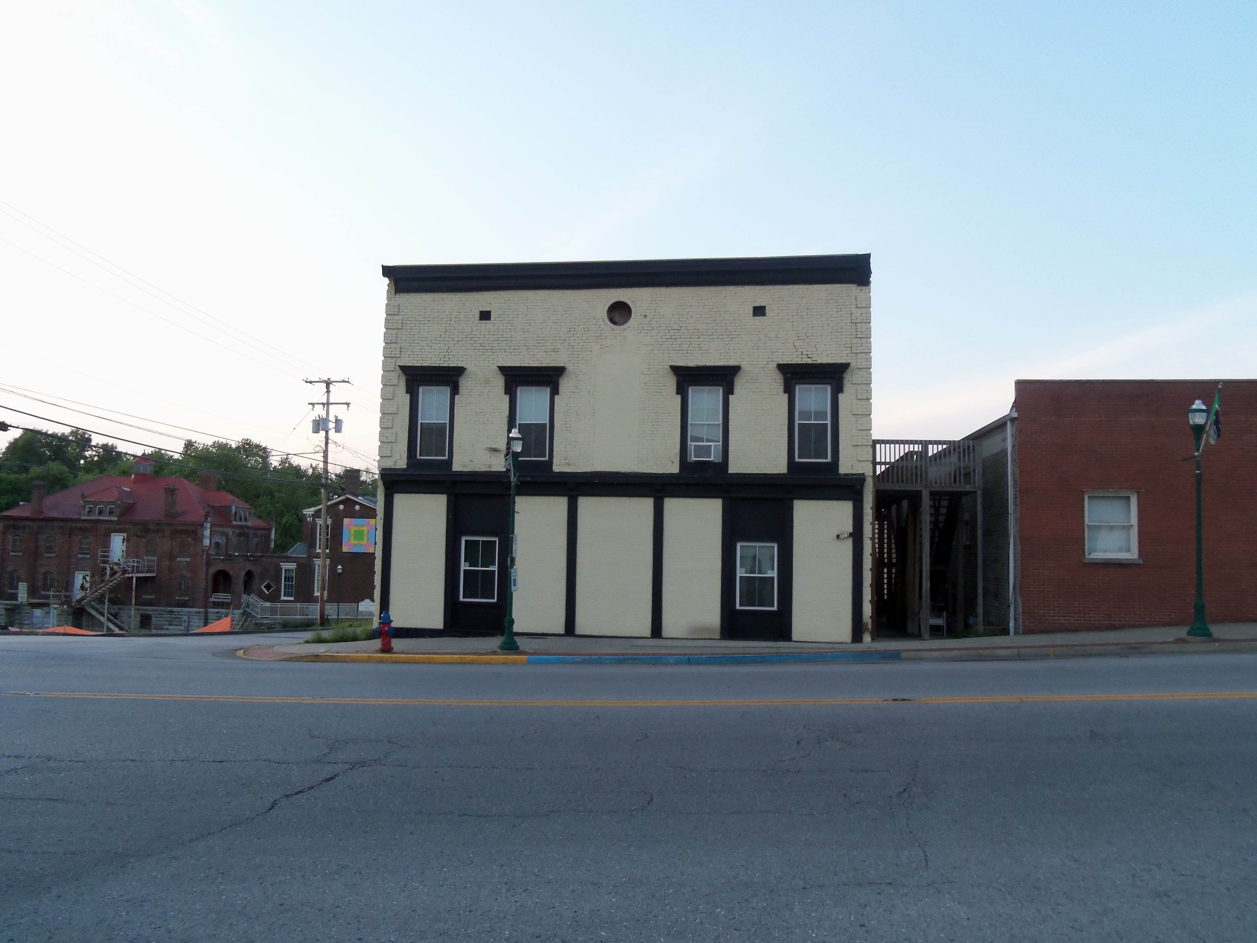 163 W Main Street Georgetown Ky Apartments Once Was A Hotel
