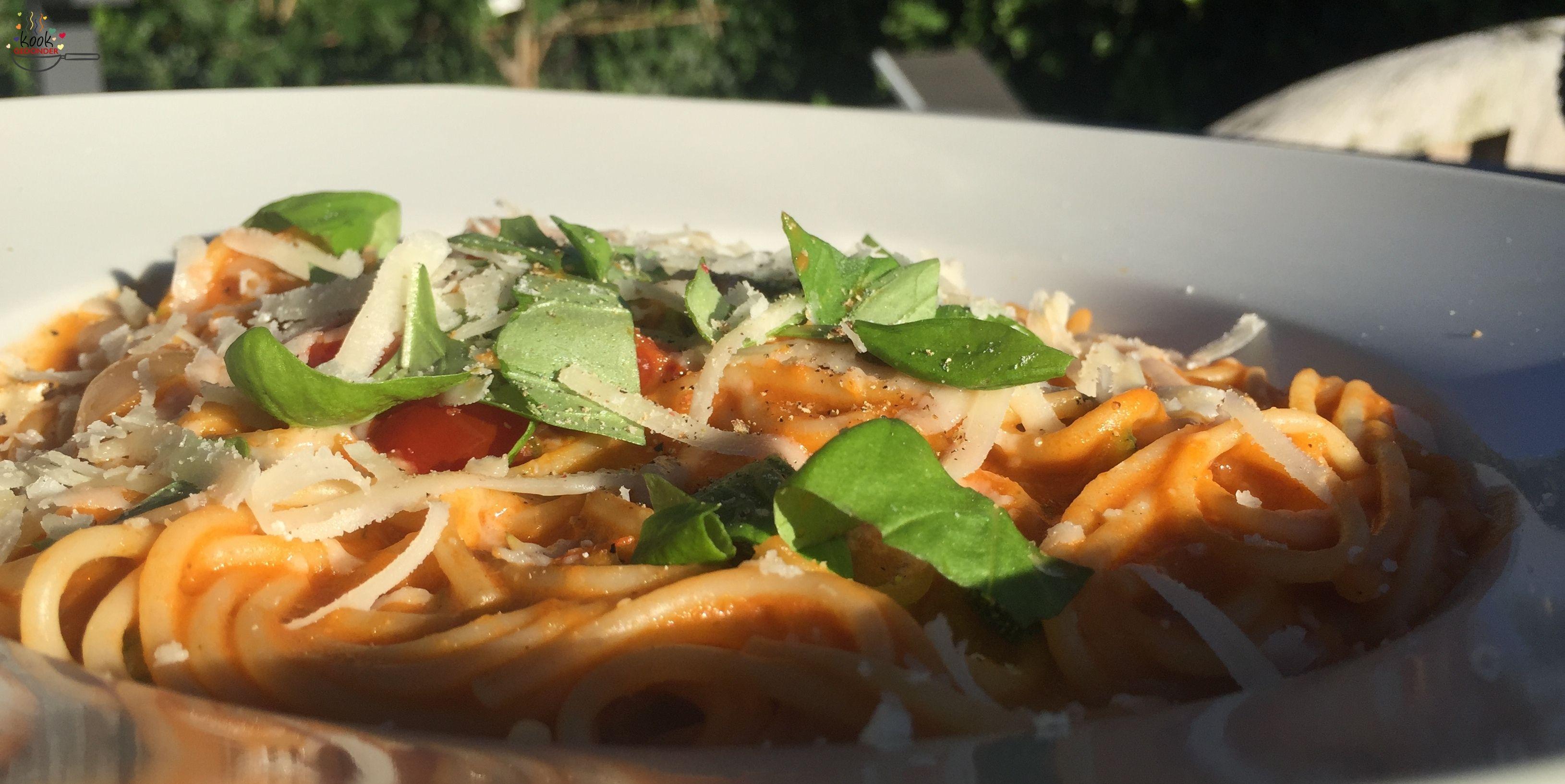 Tomatensaus+met+knoflook+uit+de+oven