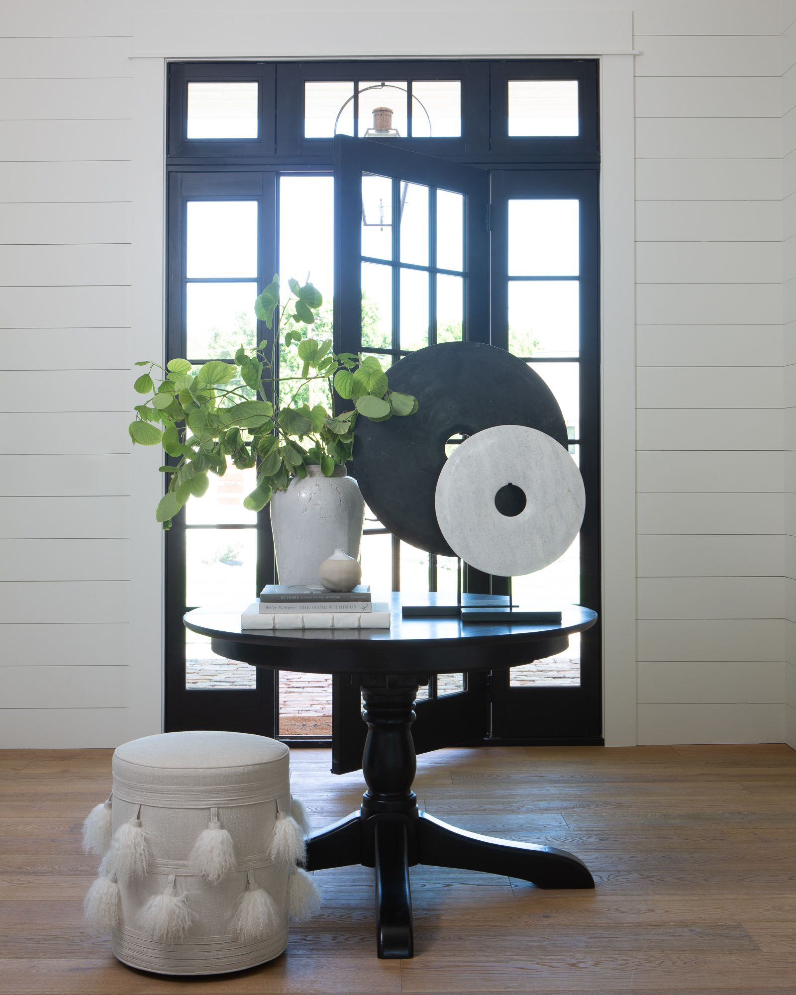 Southern Style Round Foyer Table Foyer Table Decor Entryway Round Table