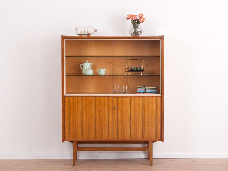 60er vitrine anrichte sideboard walnuss von mid century friends auf home. Black Bedroom Furniture Sets. Home Design Ideas