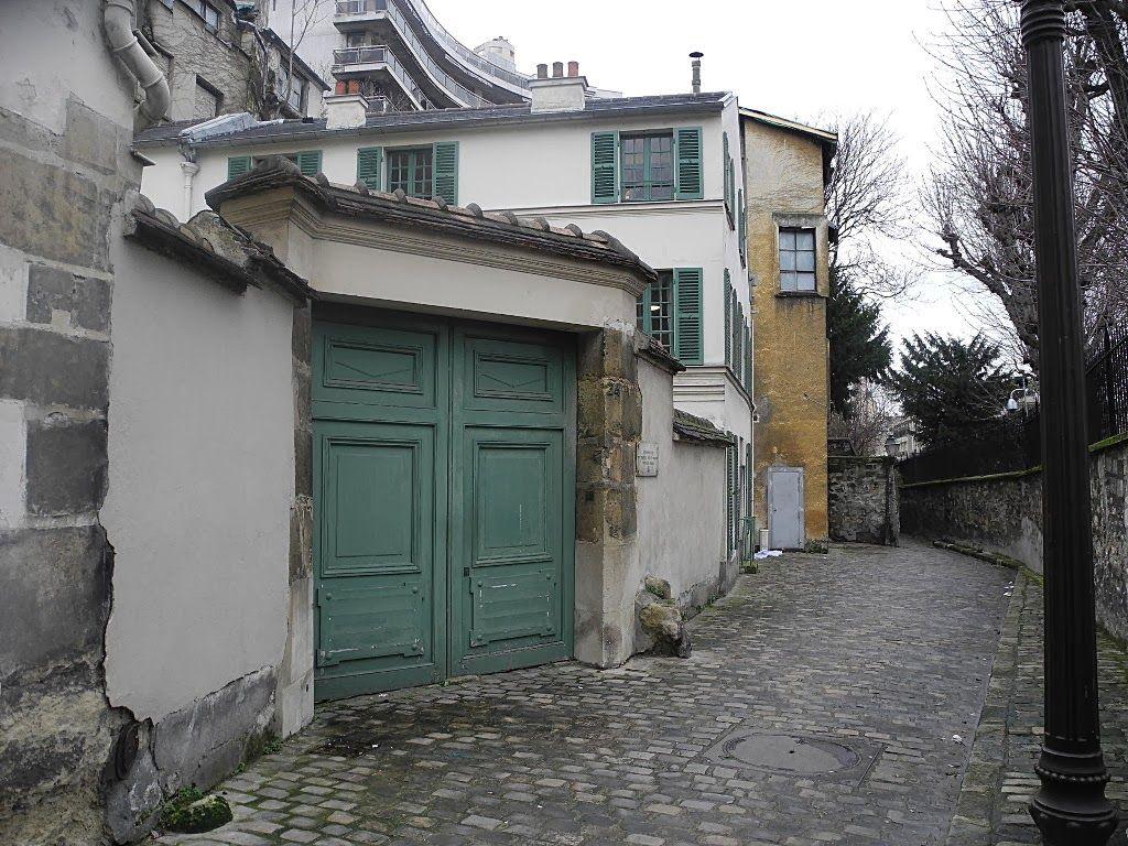 rue berton paris 16 derriere la maison de balzac. Black Bedroom Furniture Sets. Home Design Ideas