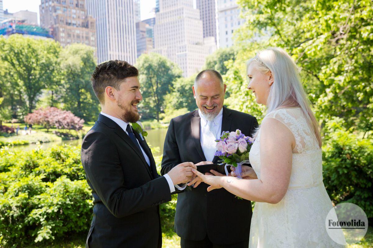 Gapstow Bridge, Central Park, NY Photograph by FOTOVOLIDA Wedding Photography #wedding #CentralParkWedding #fotovolida #fotovolidaweddingphotography #acentralparkwedding #centralpark #elopement #nycwedding #weddinginnewyork