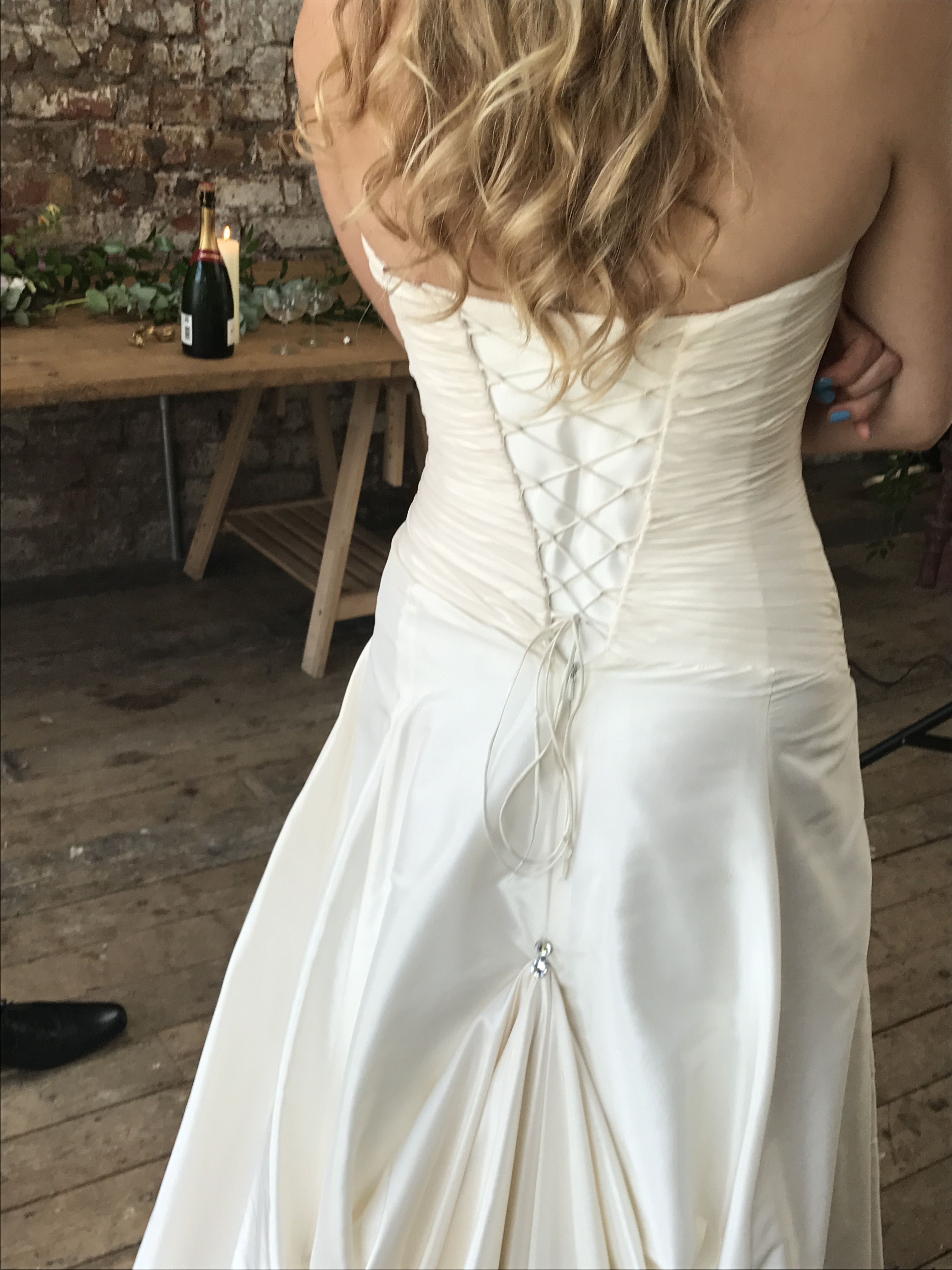 You Ve Chosen The Dress Of Your Dreams With A Beautiful Train Have You Considered How To Bustle Amazing Wedding Dress Wedding Dress Bustle