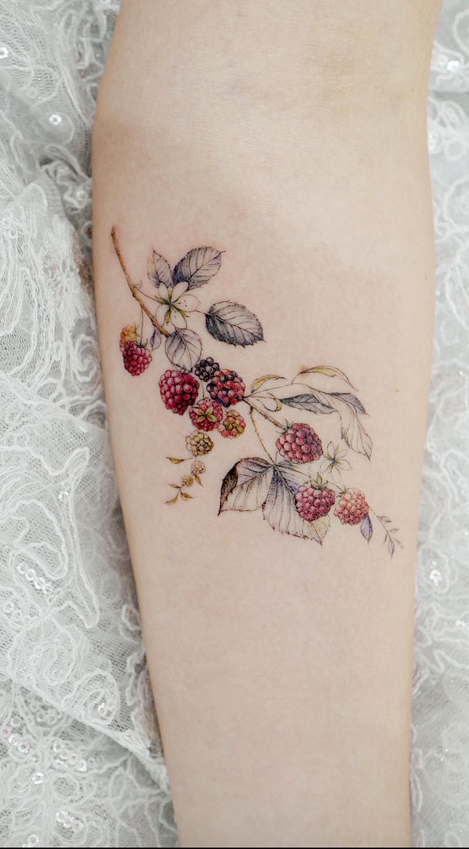 Simple Tattoo Designs To Carry Your Favorite Flower On Your Skin Are You Looking For A Classy And Beautifu Simple Tattoo Designs Simple Flower Tattoo Tattoos