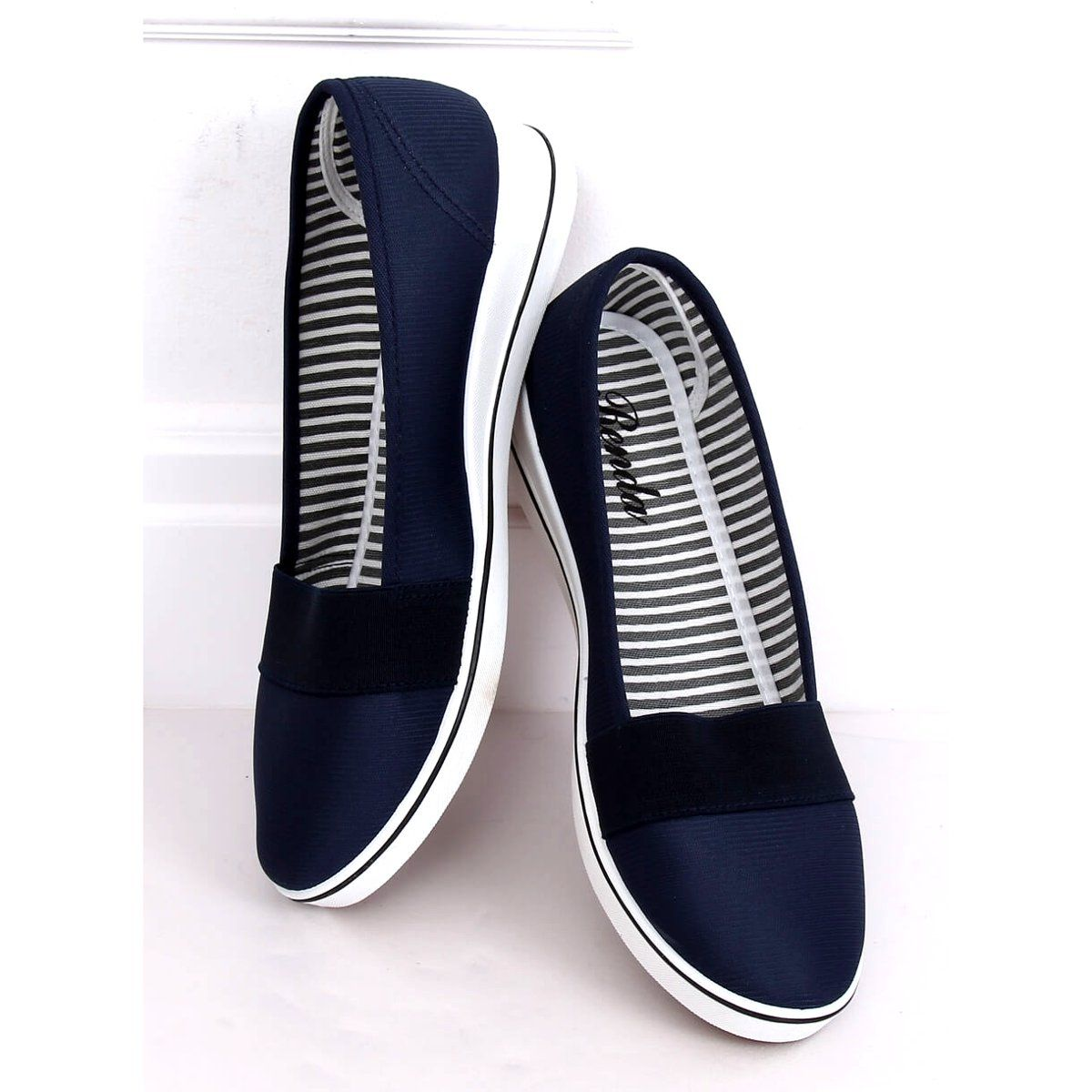 Baleriny Na Koturnie Granatowe S81b001 Blue Vans Classic Slip On Sneaker Vans Classic Slip On Slip On Sneaker