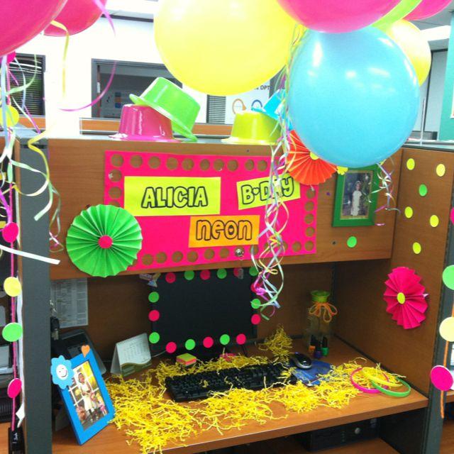 Neon birthday party oficina cumples de oficina for Decoracion de oficinas sencillas