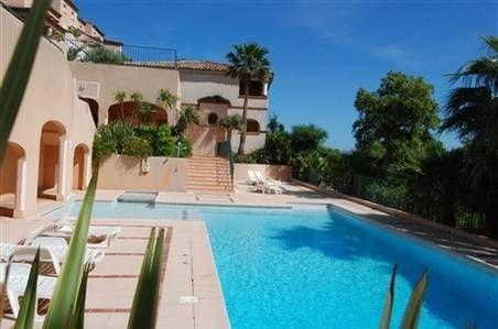 Appartement climatisé dans résidence avec piscine Sainte-Maxime - location saisonniere avec piscine privee