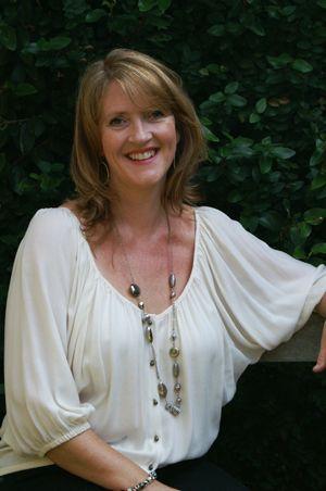Interview de Sarah Hargrave sur le home staging en Australie - #podcast #homestaging #australie #tourdumonde Pour en savoir plus : http://www.marketingimmobilier.co/podcast-interview-de-sarah-hargrave-sur-le-home-staging-en-australie/