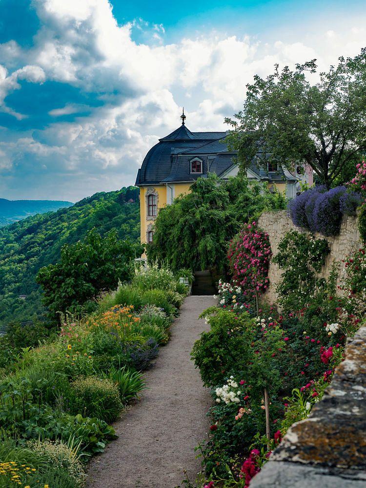 Liebesdeutschland Rokokoschloss Dornburg Thuringen Beautiful Places Beautiful Castles Landscape