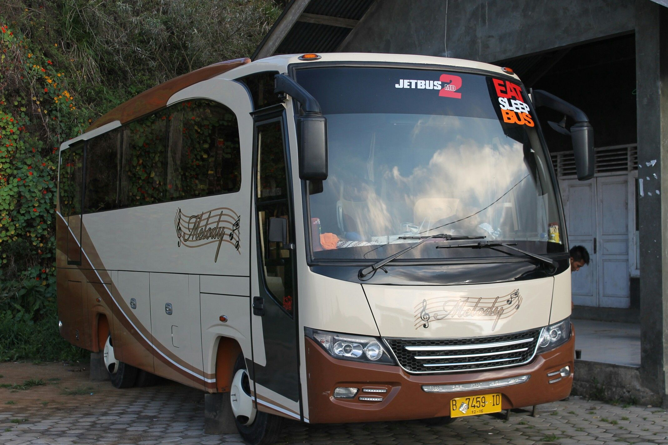 Sewa Bus Medium Murah Cv Logbookloanstoday  Jakarta Melody Transport Pariwisata Di Pinterest