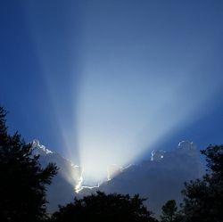 AAN HEN, DIE VELE ZIELEN AFHIELDEN VAN DE WAARHEID GODS, DOOR TE ZEGGEN DAT ZIJ NIET MOESTEN LUISTEREN NAAR PROFEET BENJAMIN COUSIJNSEN! Gepubliceerd op 12 aug 2013 door Evangelical Eindtijdspace Please share and do not change © BC Volledige weergave: Hallo, van harte welkom! Op 12 augustus 2013 bracht de engel des Heren deze boodschap …