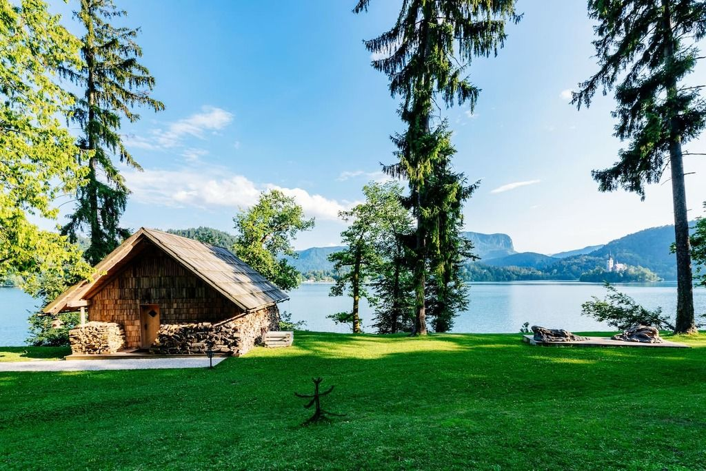 Top 12 Airbnb Vacation Rentals In Slovenia Updated 2021 Private Beach House Waterfront Cabins Lake Bled