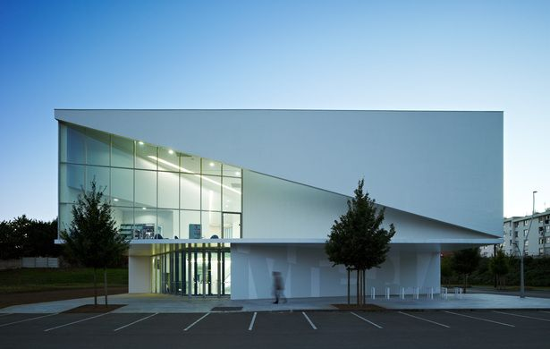 Library in Anzin | Dominique Coulon & associés; Photo: Eugeni Pons | Archinect
