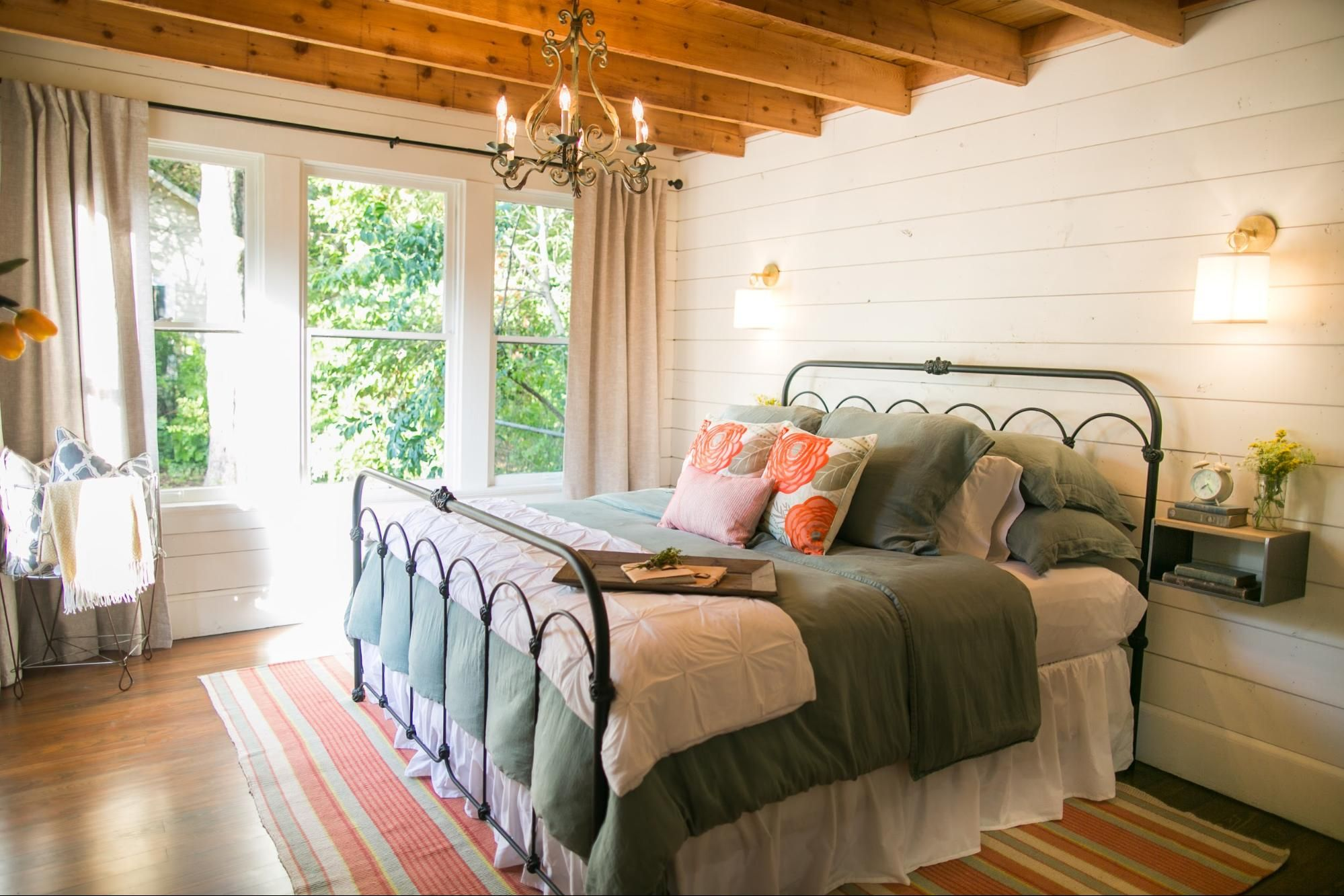 bedroom from Fixer Upper home decor Pinterest