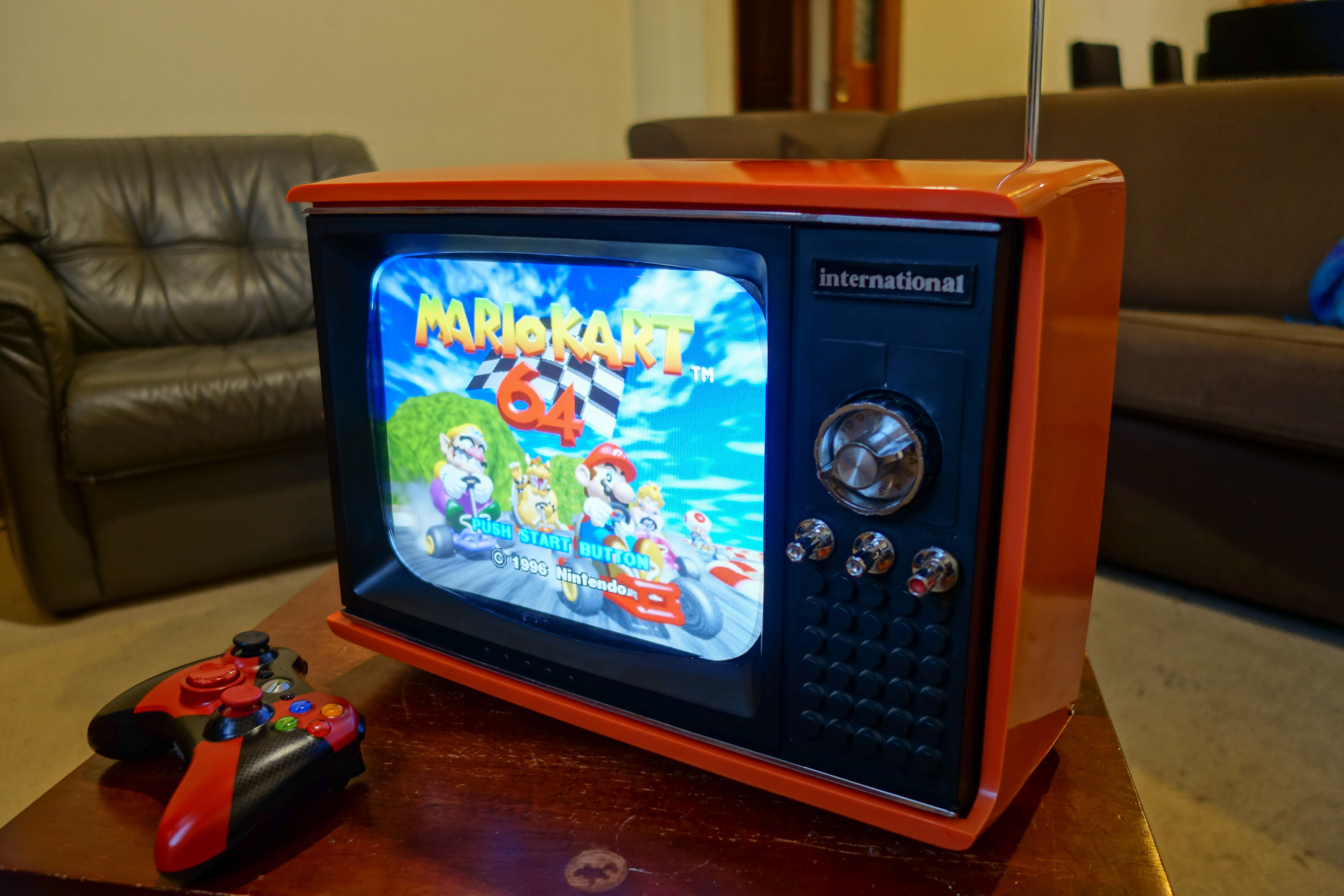 I Turned An Old Portable Tv Into A Dedicated Retro Gaming System  # Post Television En Bois