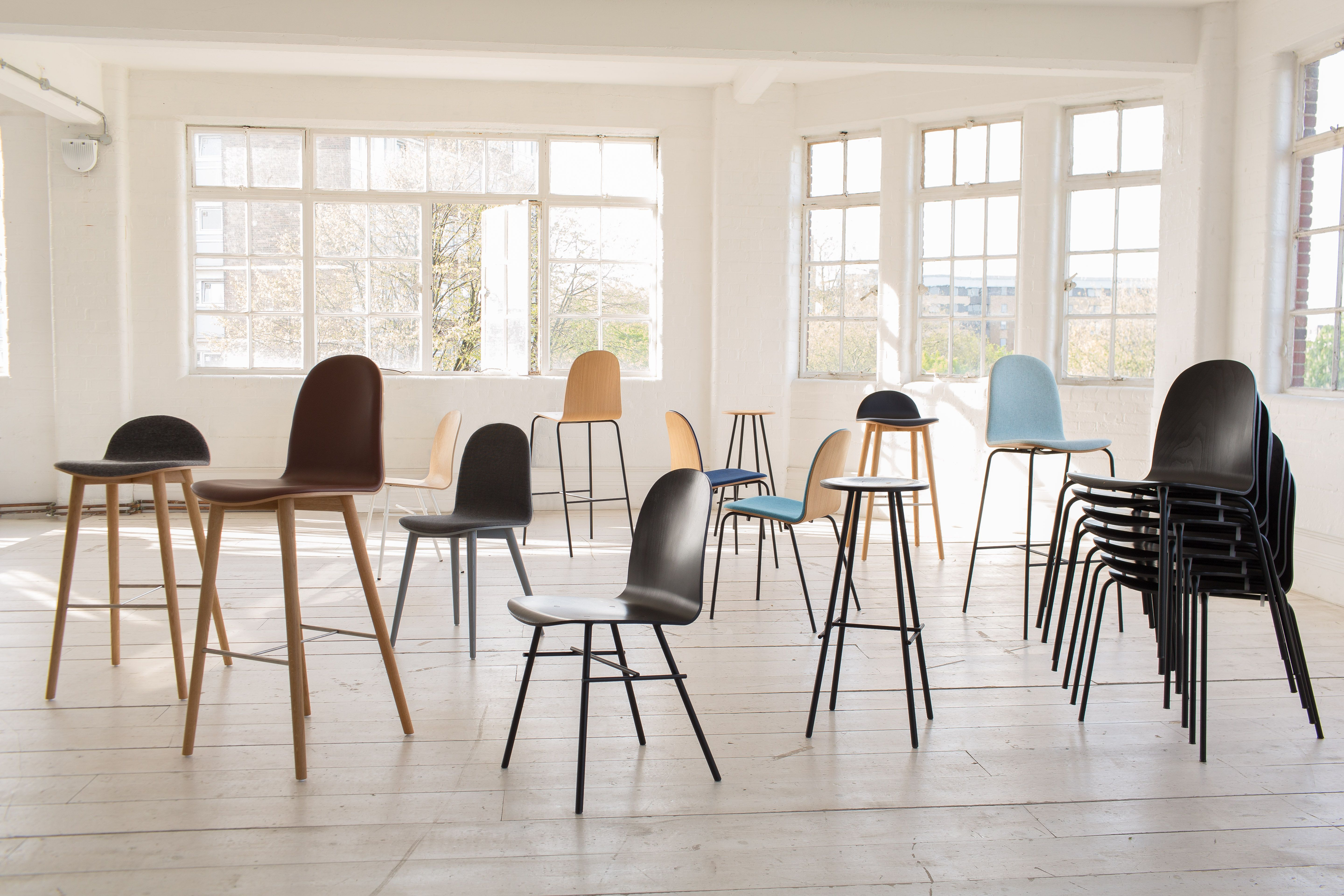 J48 FDB Chair by Poul Volther for Kvist Industries J46 FDB Chair by Poul Volther for Kvist Industries J67 FDB Chair by Ejvind A Johansson for …