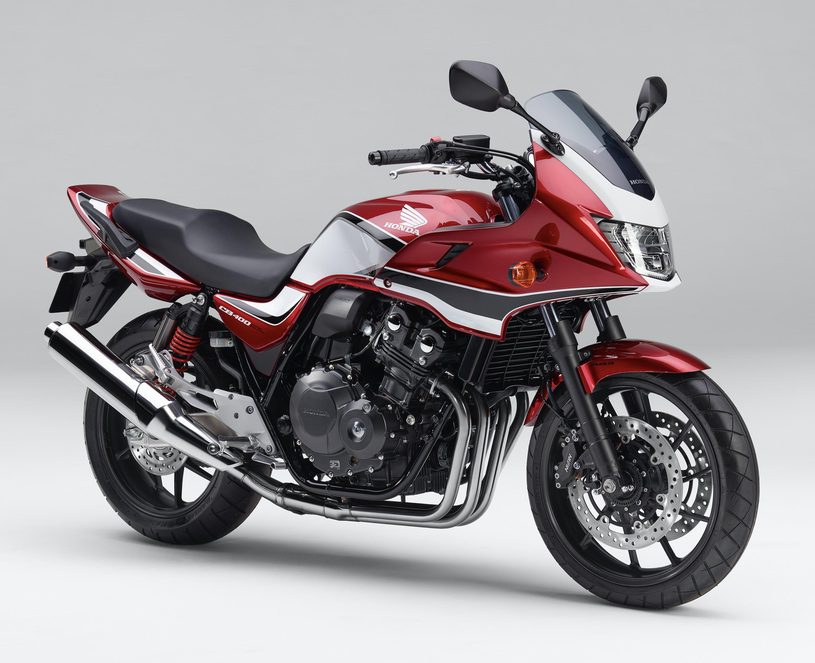 ホンダ Cb400 Super Four に艶やかレッドの新色追加 ホンダ ネイキッド バイク 最新 バイク