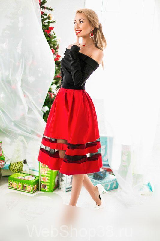 be070443e91 Вечернее платье с открытыми плечами верх черный юбка красная солнце с  сетчатой вставкой