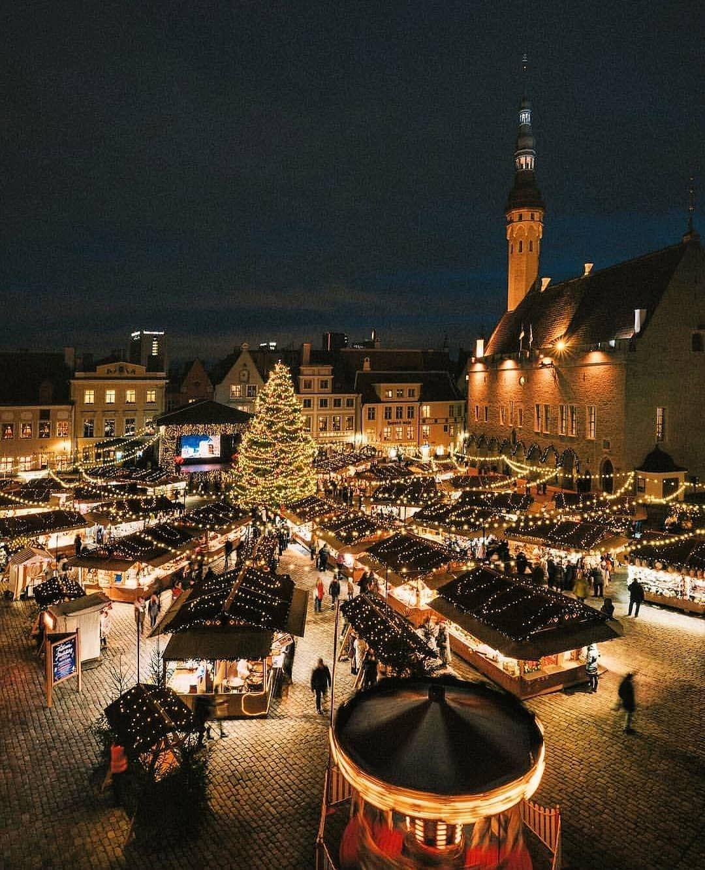 e0c83940b8d Visit #Tallinn, in #Estonia! 💙🇪🇪 Phot   christmas in 2019 ...