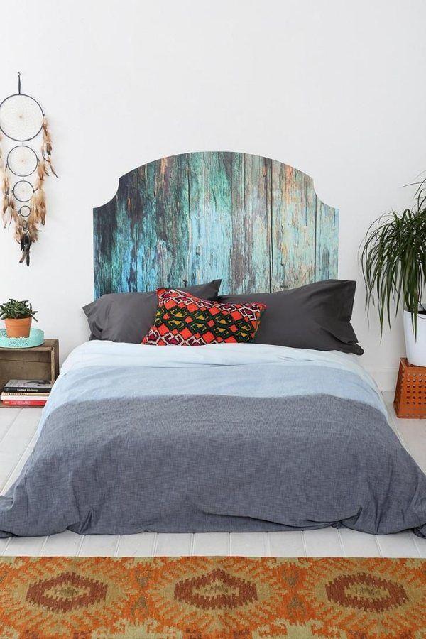 Außergewöhnliches Kopfteil für das Bett aus recyceltem Holz ...