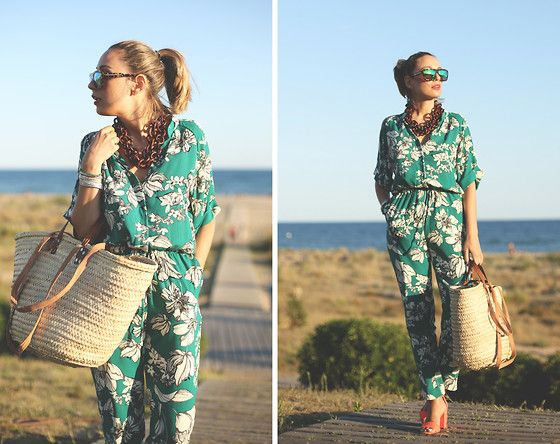 Get this look: http://lb.nu/look/6438400  More looks by My Showroom Priscila: http://lb.nu/myshowroomblog  Items in this look:  Albi Bag, Zara Shoes, Stella Mc Cartney Sunnies, Swarovski Bracelet, Vintage Necklace, Sheinside Jumpsuit