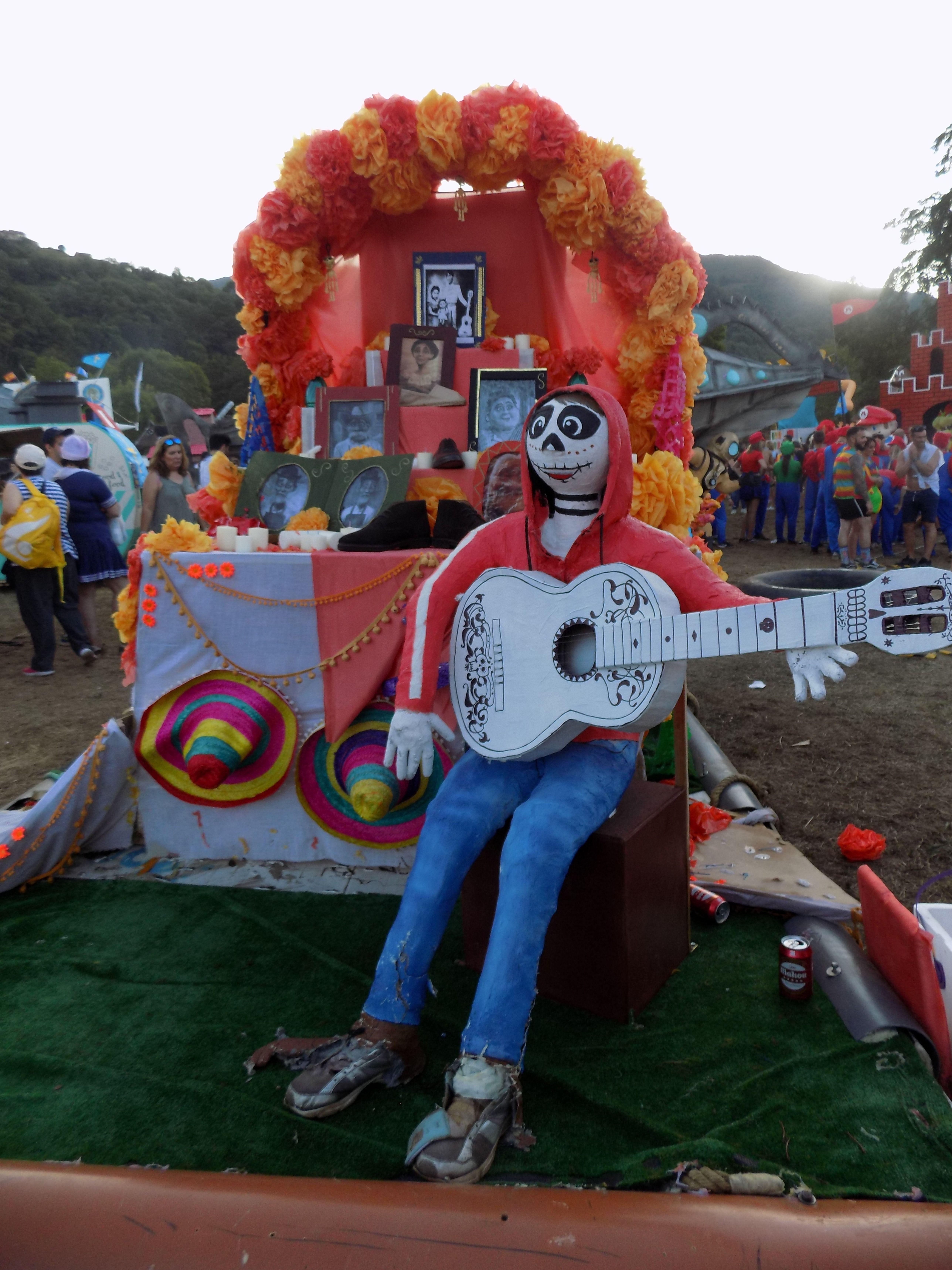 Pin en Fiestas en Asturias, España Spain
