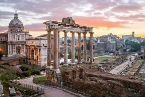 Budget-Friendly Hotels for a Visit to Rome: A Look at 10 Potential Hotel Room Buys