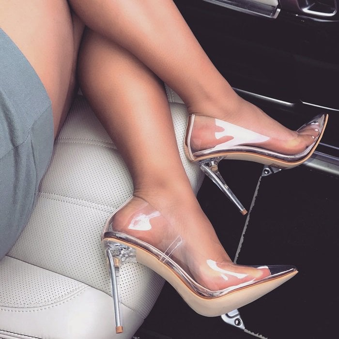 Stilettos Clear Heel #stilettoheels #highheels #transparent #stilettos #clearheels #stilettoheels #highheels #highheelspumps
