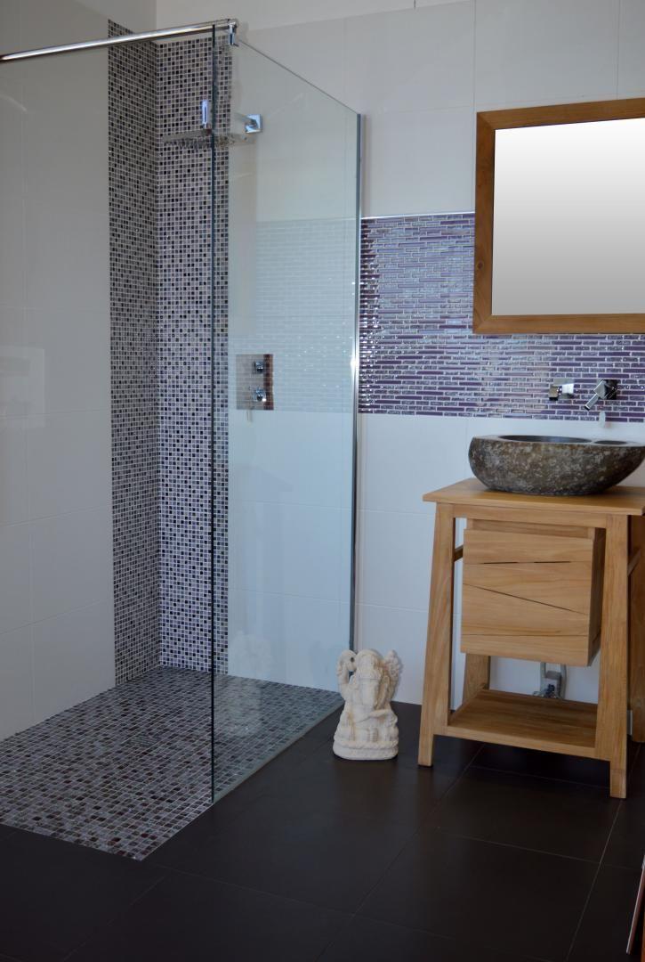 receveur mosaïque verre craquelé 140 cm + faïence 33x45 blanc mat + - photo faience salle de bain