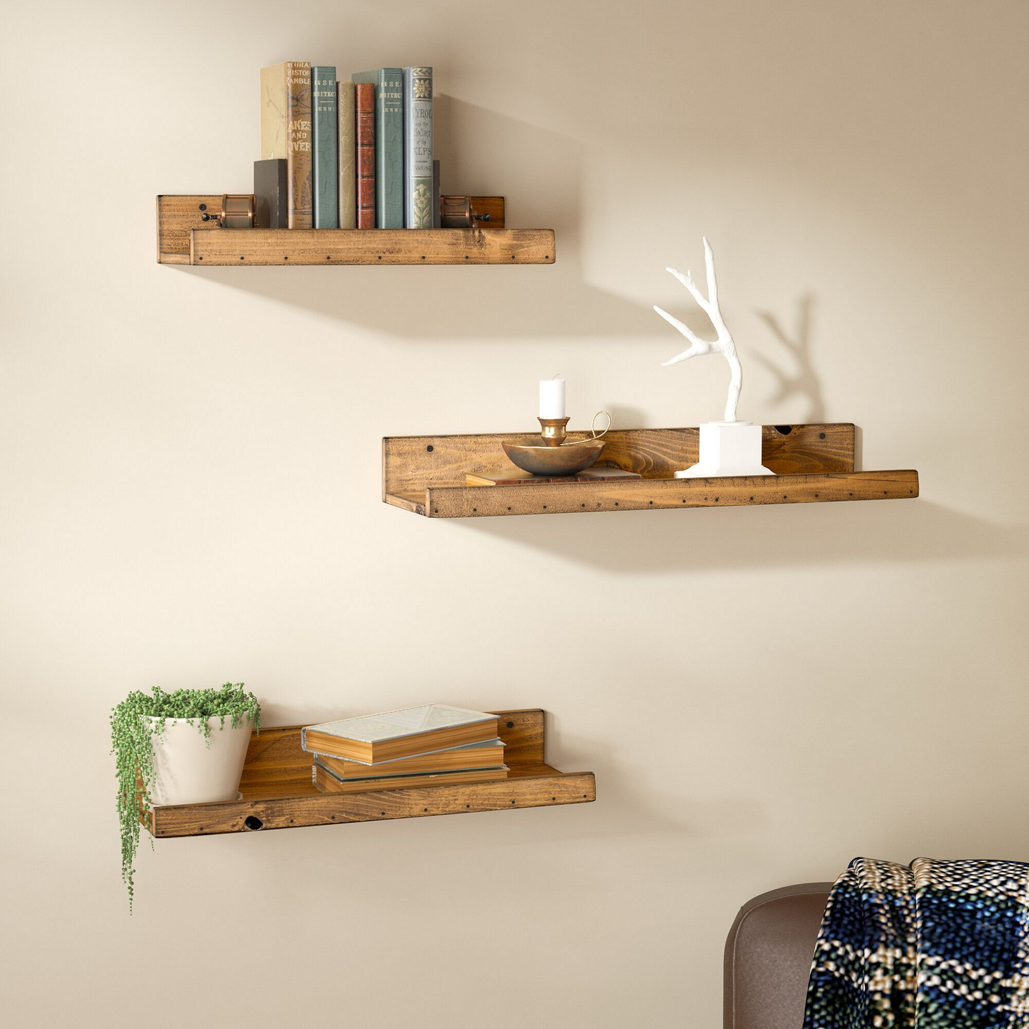 8 Diy Floating Rack Ideas For Stunning Living Room Decoration That Look More Elegant In 2020 Floating Shelves Wooden Floating Shelves Wood Floating Shelves