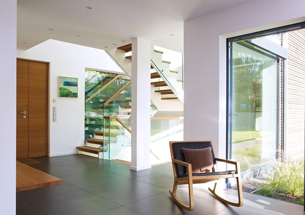offene treppe mit holzstufen und glas. Black Bedroom Furniture Sets. Home Design Ideas