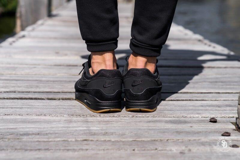 promo code e7cf0 8c2a0 Nike Air Max 1 Black Black-Gum sneaker - AH8145-007