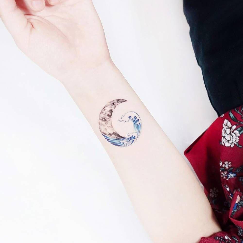 ca4d2985e The deep blue sea where the crescent moon floated Tattoo Artist: Ida ...