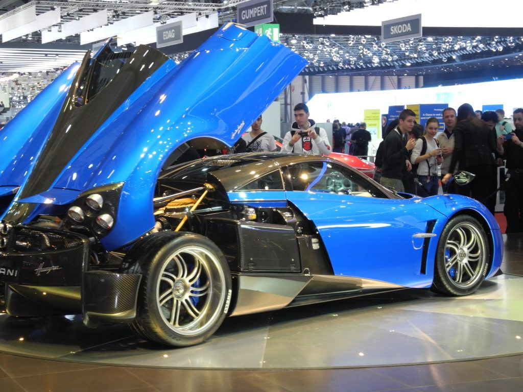Geneva The State Of Play In The Supercar Market Karenable Super Cars Car Show Dodge Viper